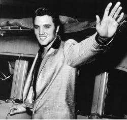 Elvis Presley – Johnny B. Goode